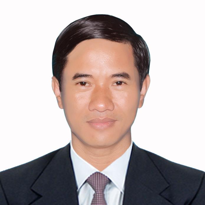 Hà Thị Thục Uyên Giám đốc kinh doanh