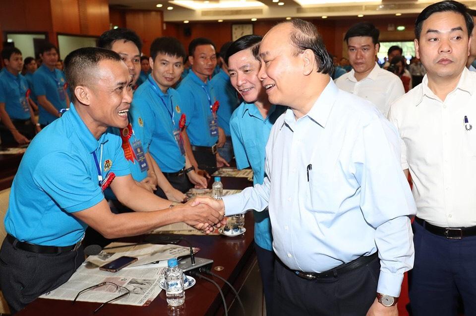 Ban giám đốc cùng cán bộ công nhân kỹ thuật cao gặp Thủ tướng Nguyễn Xuân Phúc vào ngày 5/5/2019 tại hội trường thành uỷ TPHCM
